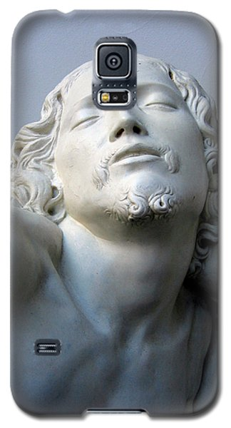 Galaxy S5 Case featuring the sculpture Jesus by Suhas Tavkar