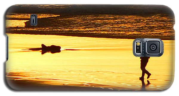 Galaxy S5 Case featuring the photograph Jog At Sunset by Larry Keahey