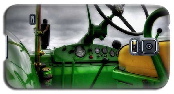 Galaxy S5 Case featuring the photograph John Deere 830 Dash by Trey Foerster