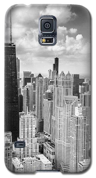 Hancock Building Galaxy S5 Case - John Hancock Building In The Gold Coast Black And White by Adam Romanowicz