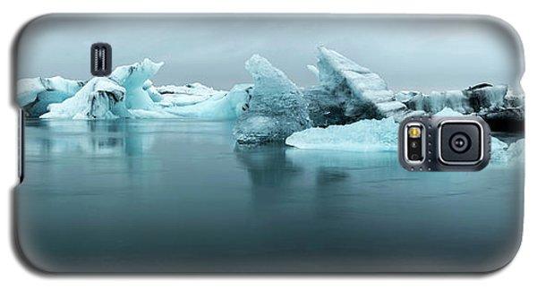Galaxy S5 Case featuring the photograph Jokulsarlon Glacier Lagoon Panorama by Brad Scott