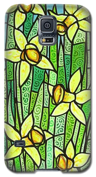 Galaxy S5 Case featuring the painting Jonquil Glory by Jim Harris