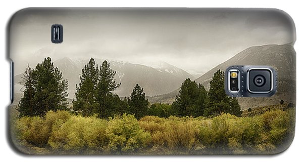 June Lakes Loop In The Autumn Rain Galaxy S5 Case