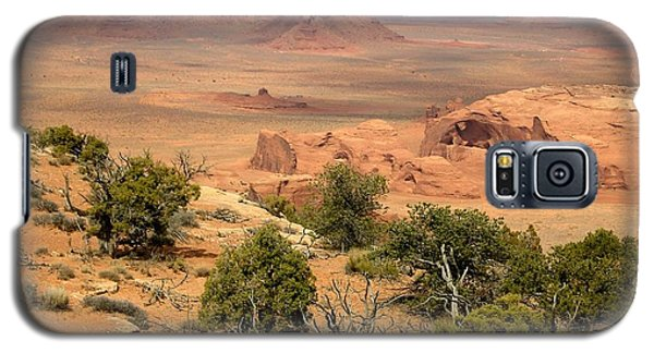 Galaxy S5 Case featuring the photograph Juniper On The Mesa by Fred Wilson