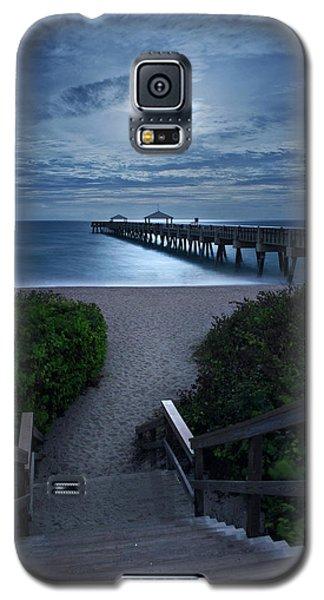 Juno Pier Stairs To Beach Under Full Moon Galaxy S5 Case