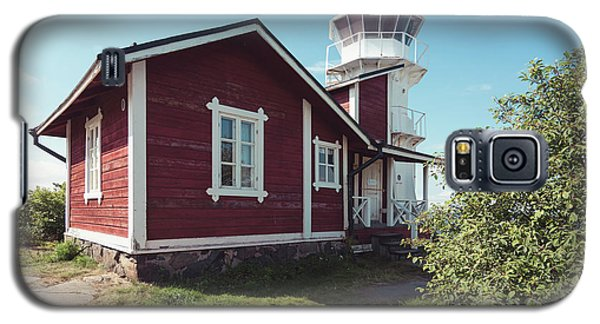 Galaxy S5 Case featuring the photograph Kallo Lighthouse by Ari Salmela