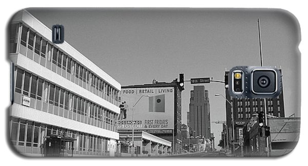 Galaxy S5 Case featuring the photograph Kansas City - 18th Street Bw by Frank Romeo