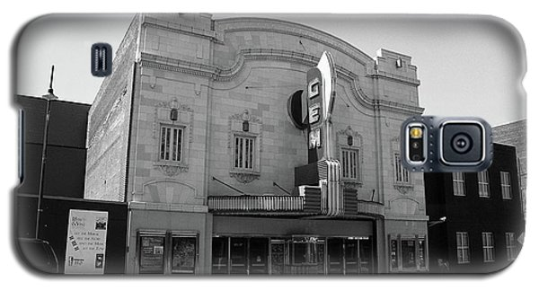 Galaxy S5 Case featuring the photograph Kansas City - Gem Theater Bw by Frank Romeo