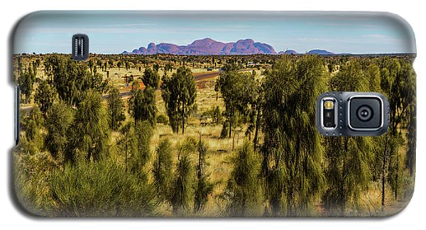 Galaxy S5 Case featuring the photograph Kata Tjuta 01 by Werner Padarin