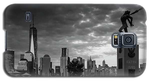 Galaxy S5 Case featuring the photograph Katyn New World Trade Center In New York by Ranjay Mitra