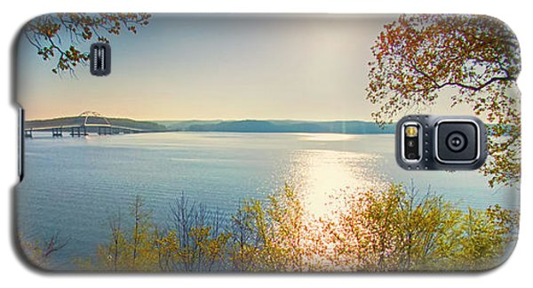 Galaxy S5 Case featuring the photograph Kentucky Lake by Ricky L Jones