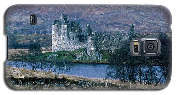 Kilchurn Castle, Scotland Galaxy S5 Case