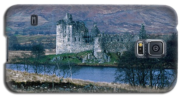 Kilchurn Castle, Scotland Galaxy S5 Case