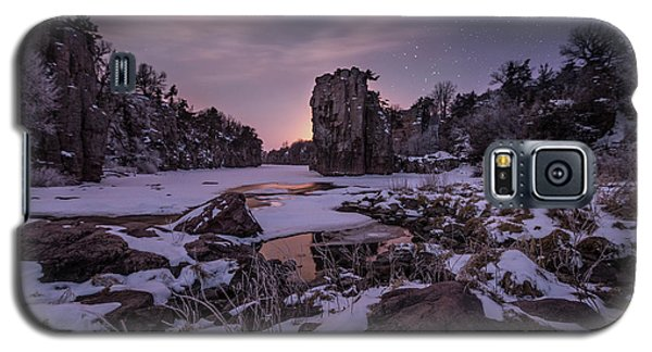 Galaxy S5 Case featuring the photograph King Of Frost by Aaron J Groen