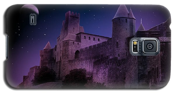 Galaxy S5 Case featuring the photograph King Of My Castle by Bernd Hau