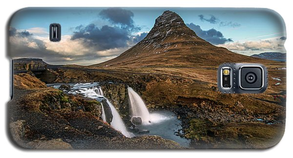 Kirkjufellsfoss Waterfall And Kirkjufell Mountain, Iceland Galaxy S5 Case
