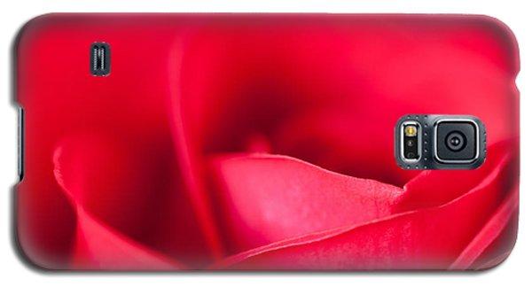 Galaxy S5 Case featuring the photograph Kiss by Yvette Van Teeffelen