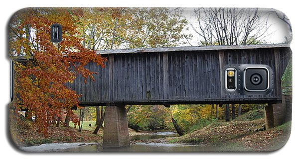 Galaxy S5 Case featuring the photograph Kissing Bridge At Fall by Eric Liller
