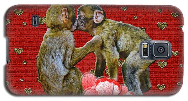 Kissing Chimpanzees Hearts Galaxy S5 Case