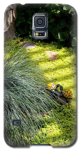 Galaxy S5 Case featuring the photograph Kissing Cousins by Marie Neder