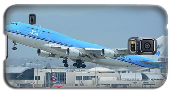 Galaxy S5 Case featuring the photograph Klm Boeing 747-406m Ph-bfh Los Angeles International Airport May 3 2016 by Brian Lockett