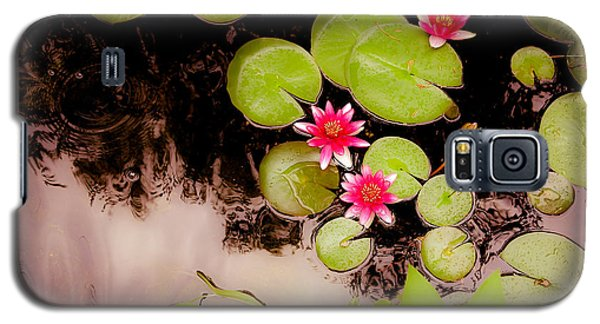 Koi Pond With Water Lilies Galaxy S5 Case