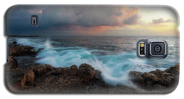 Galaxy S5 Case featuring the photograph Kona Gold by Ryan Manuel