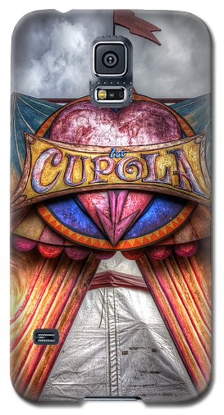 Galaxy S5 Case featuring the photograph La Cupola by Wayne Sherriff