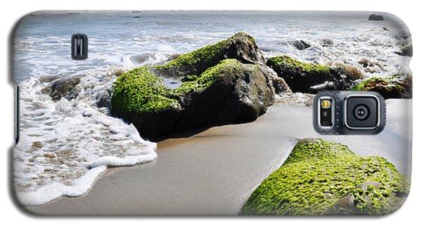 Galaxy S5 Case featuring the photograph La Piedra Shore Malibu by Kyle Hanson