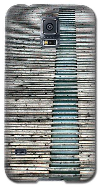Galaxy S5 Case featuring the photograph Ladder To Zen by David Dunham