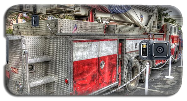 Ladder Truck 152 - 9-11 Memorial Galaxy S5 Case by Eddie Yerkish