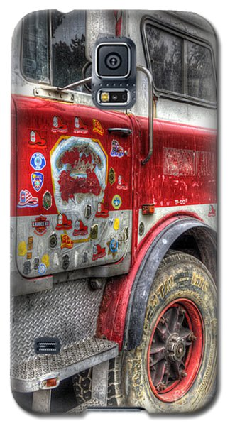 Ladder Truck 152 - In Remembrance Of 9-11 Galaxy S5 Case by Eddie Yerkish