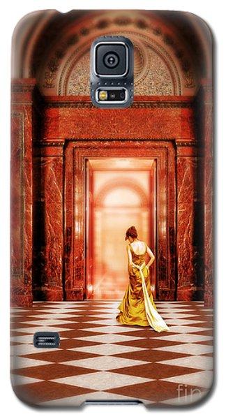 Lady In Golden Gown Walking Through Doorway Galaxy S5 Case
