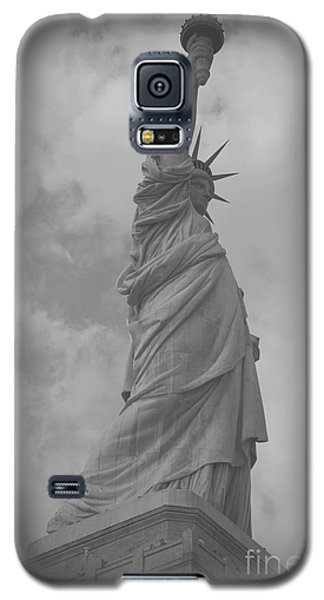 Galaxy S5 Case featuring the photograph Lady Liberty by Louise Fahy