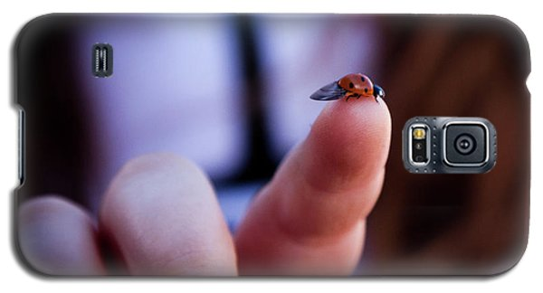 Ladybug On  Finger  Galaxy S5 Case