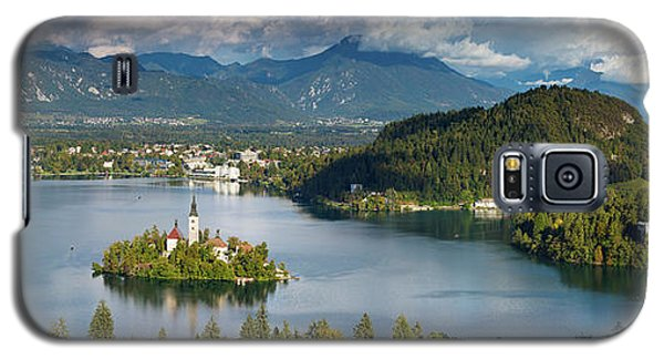 Galaxy S5 Case featuring the photograph Lake Bled Pano by Brian Jannsen