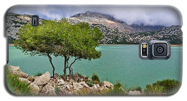 Galaxy S5 Case featuring the photograph Lake Cuber by Alexander Kunz