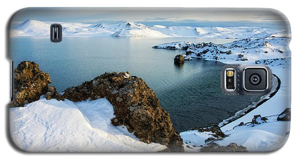 Lake Kleifarvatn Iceland In Winter Galaxy S5 Case by Matthias Hauser