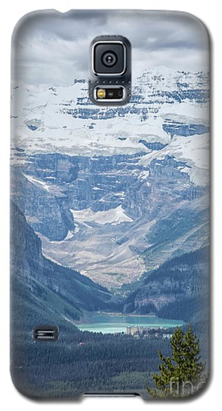 Galaxy S5 Case featuring the photograph Lake Louise, Banff National Park, Alberta, Canada, North America by Patricia Hofmeester