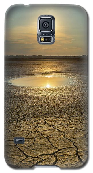 Lake On Fire Galaxy S5 Case