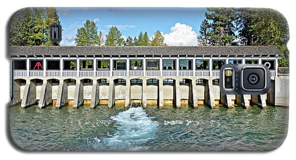 Galaxy S5 Case featuring the photograph Lake Tahoe Dam by David Lawson