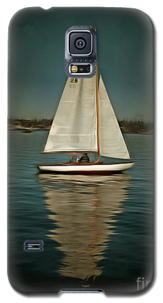 Galaxy S5 Case featuring the photograph Lake Union Day Sailing by Susan Parish
