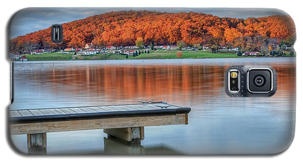 Galaxy S5 Case featuring the photograph Autumn Red At Lake White by Jaki Miller