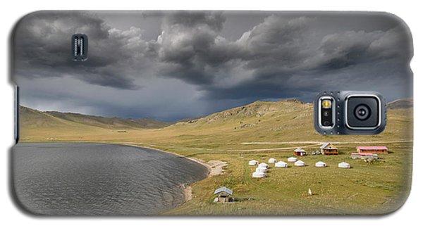 Galaxy S5 Case featuring the photograph Lakeside Camp, Khorgo, 2016 by Hitendra SINKAR