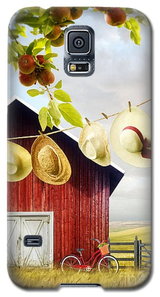 Large Red Barn With Hats On Clothesline In Field Of Wheat Galaxy S5 Case