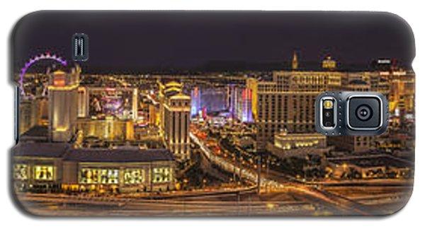 Galaxy S5 Case featuring the photograph Las Vegas Strip by Roman Kurywczak