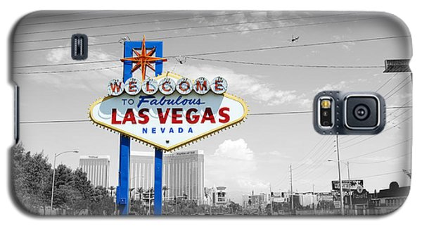 Galaxy S5 Case featuring the photograph Las Vegas Welcome Sign Color Splash Black And White by Shawn O'Brien