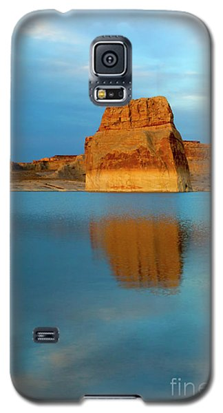 Galaxy S5 Case featuring the photograph Last Light At Lone Rock by Mike Dawson