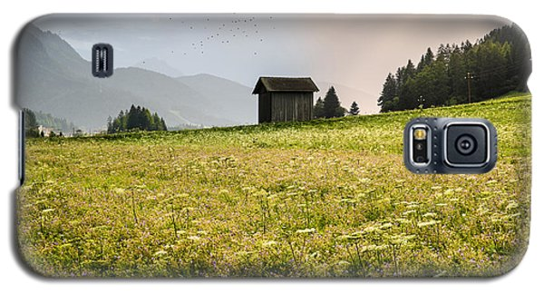 Galaxy S5 Case featuring the photograph Last Rays On The Valley by Yuri Santin