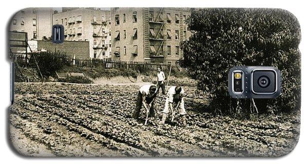 Last Working Farm In Manhattan Galaxy S5 Case